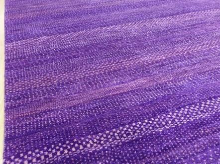 紫色が持つ不思議な力 ギャッベ紫グラデーション